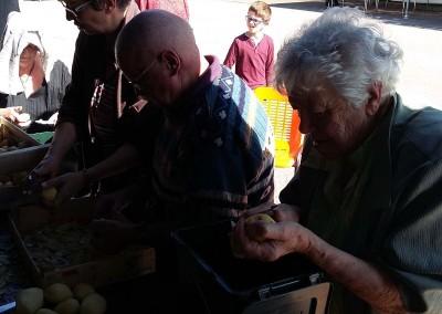 26 09 15 - Fête du don quartier soupe (11)