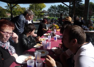 La Fête du Don - Dimanche 24 septembre 2017 - Le repas partagé et la Fête sous la Halle